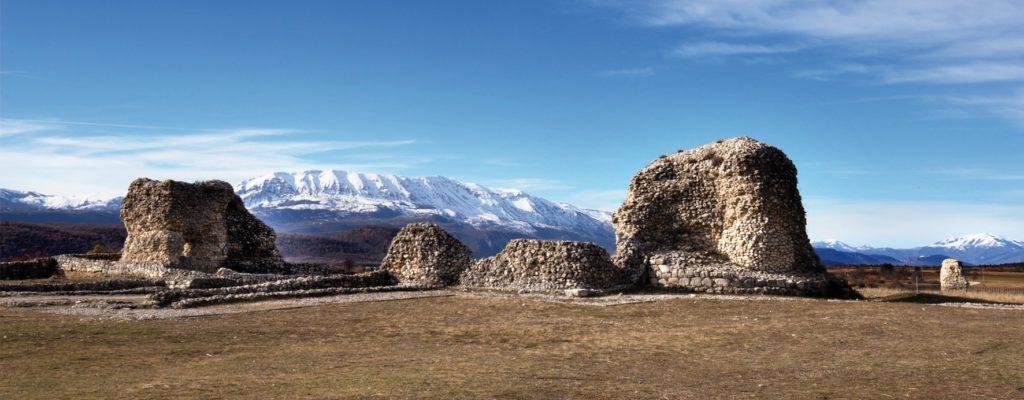 Itinerario tra i monoliti vestini